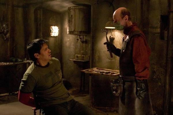 Jay Hernandez e uno dei torturatori psicopatici di Hostel