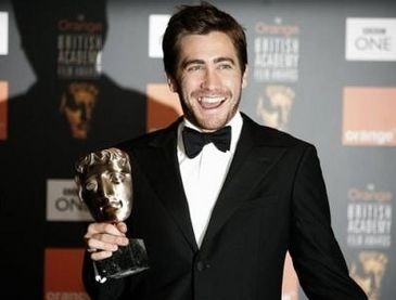 Jake Gyllenhaal con il suo BAFTA