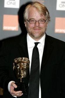 Philip Seymour Hoffman con il suo BAFTA