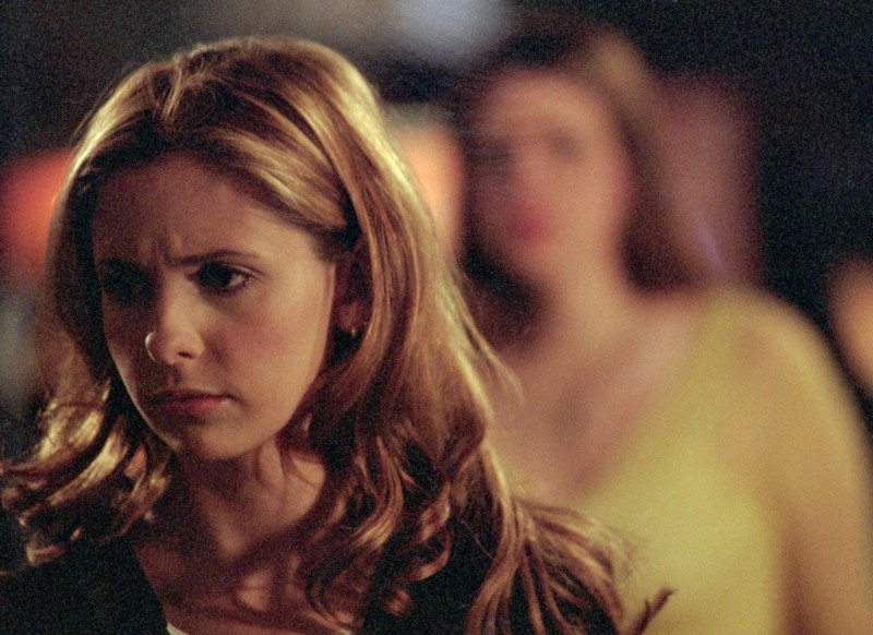 Sarah Michelle Gellar in una scena di Buffy