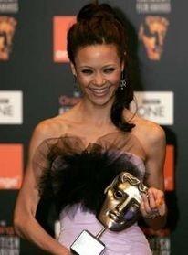 Thandie Newton con il suo BAFTA