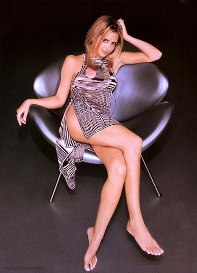 abito 'rivelatore' per la sexy Sarah Michelle Gellar