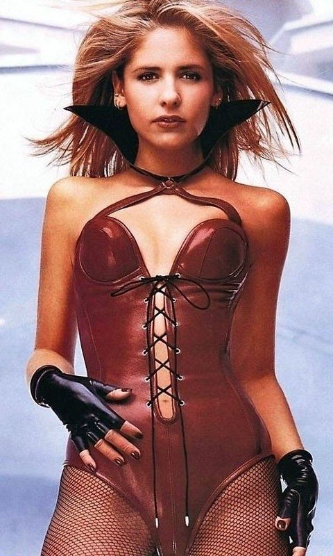 latex e grinta per la supersexy Sarah Michelle Gellar