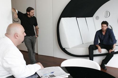 Antonino Juorio ed Enrico Silvestrin in una scena di Piano 17