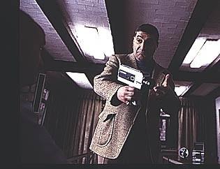Tom Jakobsen in una scena di Torremolinos 73