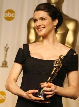 Rachel Weisz con il suo Oscar