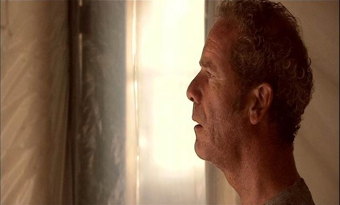 Peter Mullan in una scena di SESSION 9