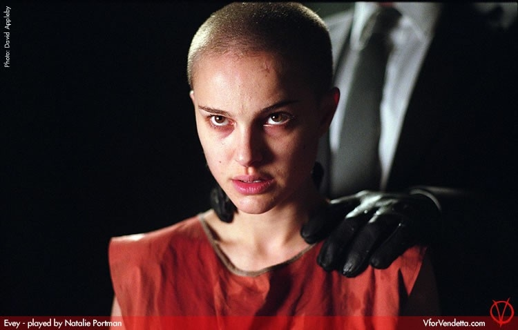 Natalie Portman rasata a zero in V for Vendetta