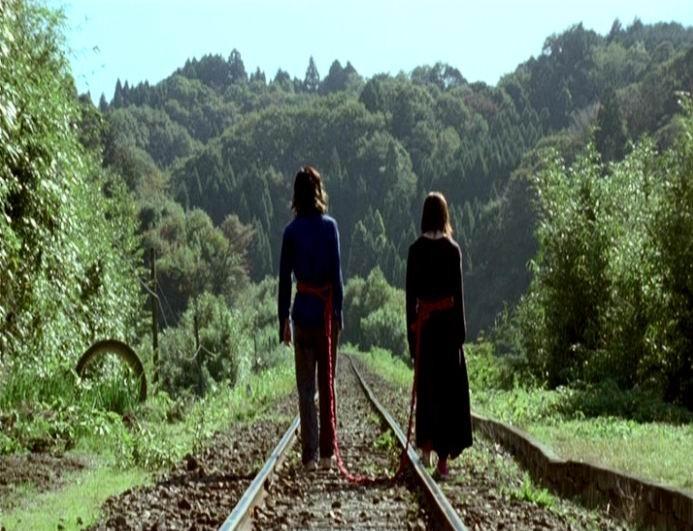 Hidetoshi Nishijima e Miho Kanno sono i protagonisti di DOLLS, di Takeshi Kitano