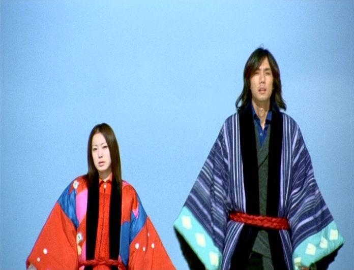 I due attori giapponesi Miho Kanno e Hidetoshi Nishijima in una scena di DOLLS