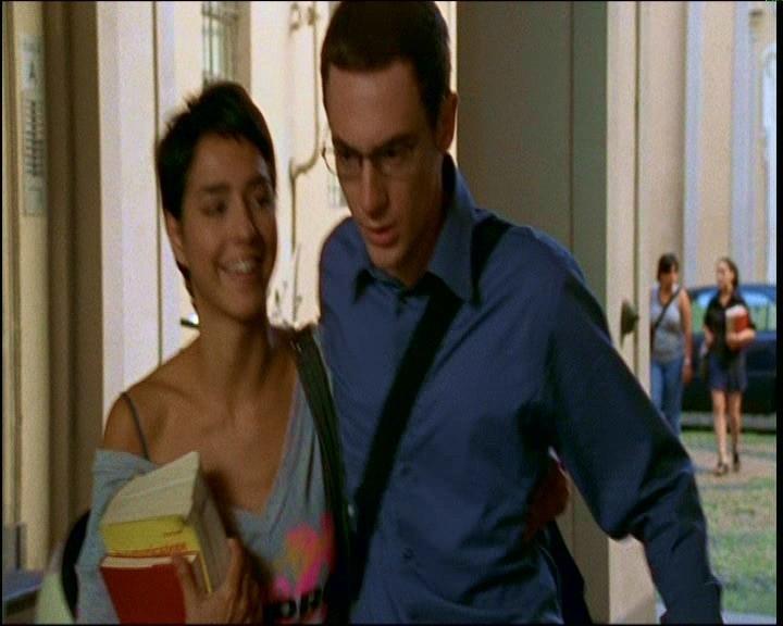 Cristina Brondo e Elio Germano in una scena di TI PIACE HITCHCOCK?