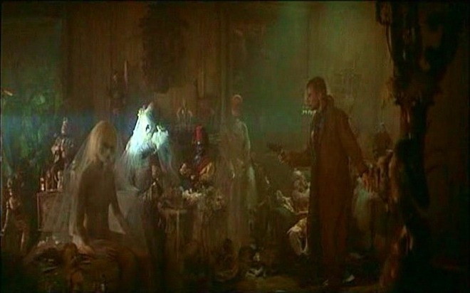 Daryl Hannah e Harrison Ford in una scena di BLADE RUNNER