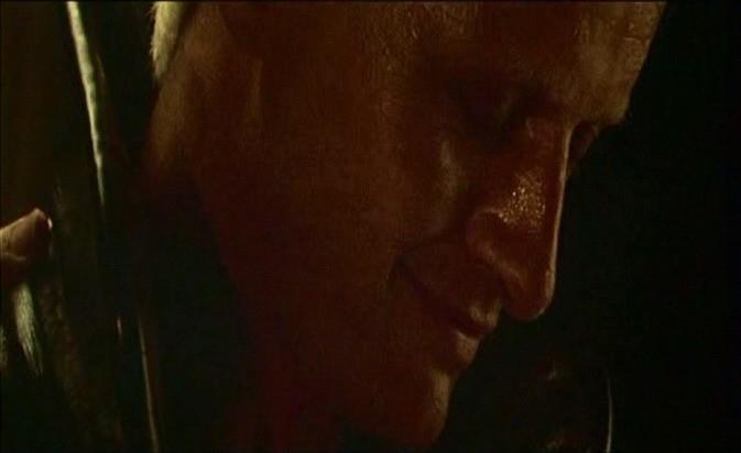 Rutger Hauer in una scena del film BLADE RUNNER (1982)
