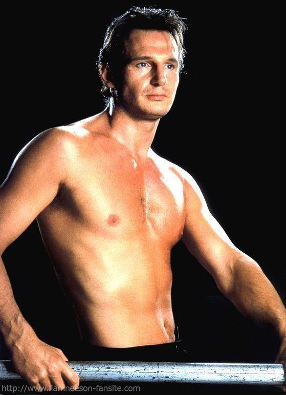 Una immagine sexy di Liam Neeson