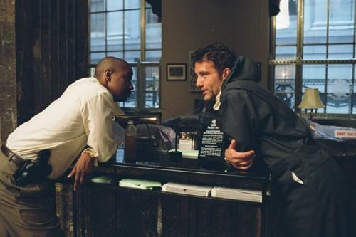 Denzel Washington e Clive Owen in una scena del film Inside Man