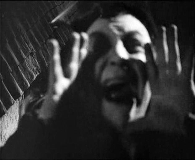 Emil Jannings in una scena di FAUST