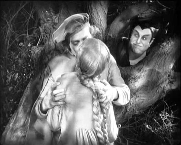 Gösta Ekman, Camilla Horn e Emil Jannings in una scena di FAUST