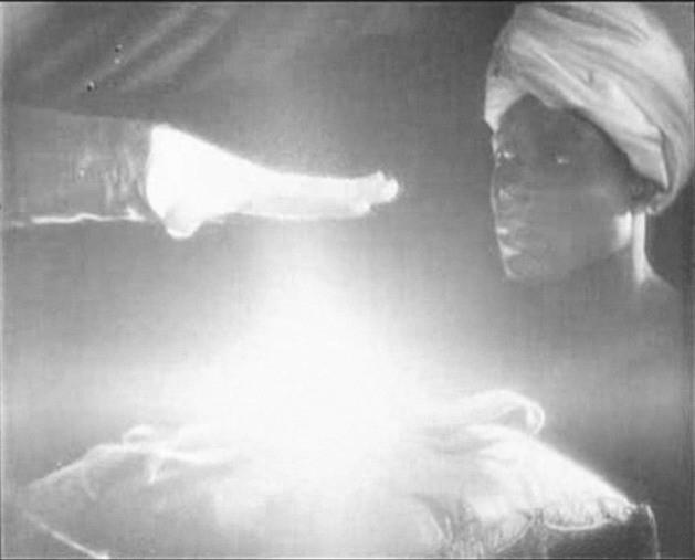 Una scena di FAUST diretto da Murnau