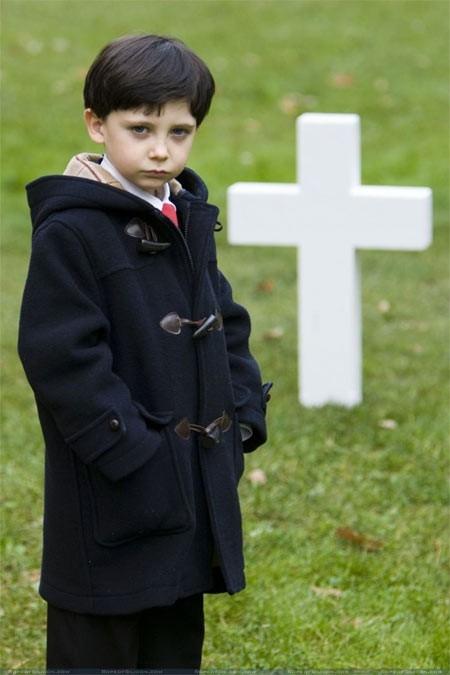 Il piccolo Seamus Davey-Fitzpatrick è Damien Thorn in The Omen 666