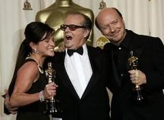 Jack Nicholson premia Paul Haggis e Cathy Schulman per Crash, miglior film 2006