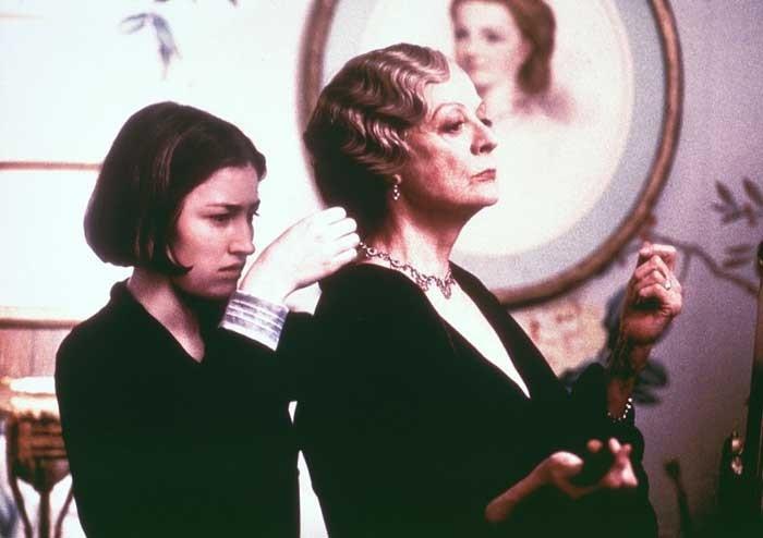 Kelly Macdonald e Maggie Smith in una scena di Gosford Park