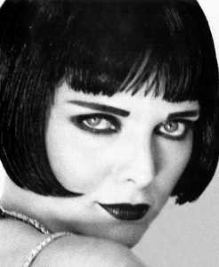 Michelle Pfeiffer truccata come Louise Brooks