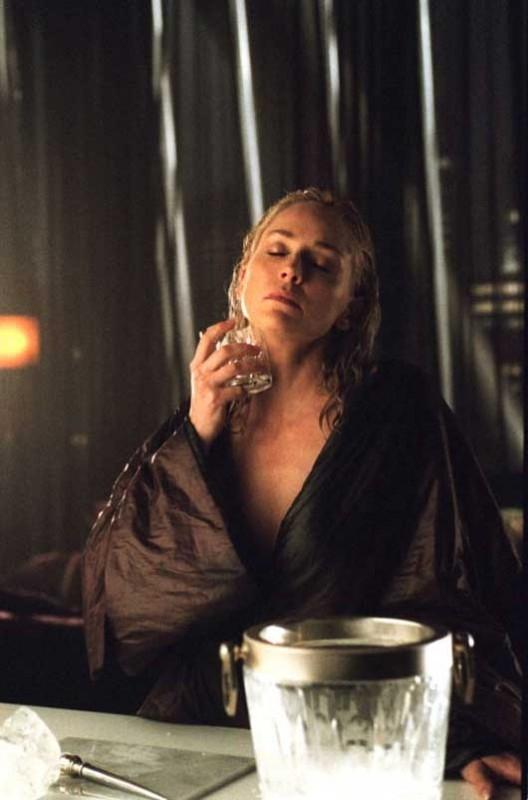 Ghiaccio e sensualità mortale per Sharon Stone in Basic Instinct 2
