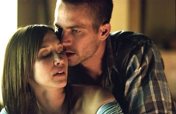 Vera Farmiga e Paul Walker in Running