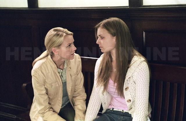 Naomi Watts e Emily VanCamp in una scena del film The Ring 2