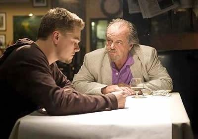 Leonardo DiCaprio con Jack Nicholson in una scena di the Departed