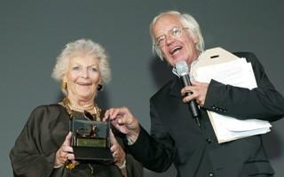 Locarno 2006 - Consegna del Pardino a Stéphanie Glaser, premio per la sua carriera e Marco Blaser