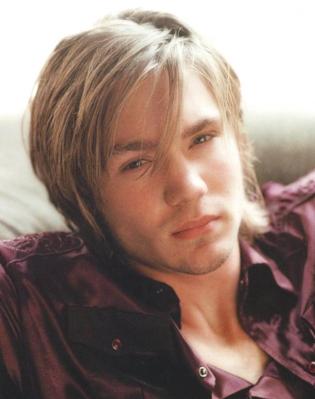 Un primo piano di Chad Michael Murray