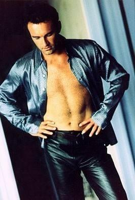 una immagine sexy di Julian McMahon