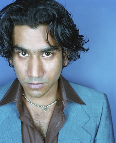 Naveen Andrews quasi irriconoscibile senza barba