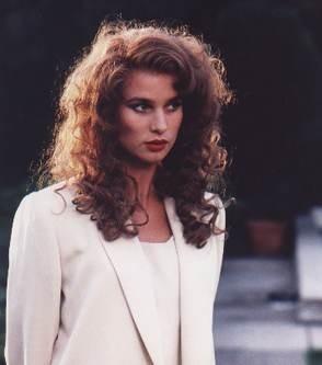 Nicollette Sheridan in una scena della mini serie tv 'Lucky/Chances' ispirata a Jackie Collins