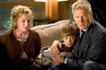 Virginia Madsen, Jimmy Bennett e Harrison Ford in Firewall Accesso negato