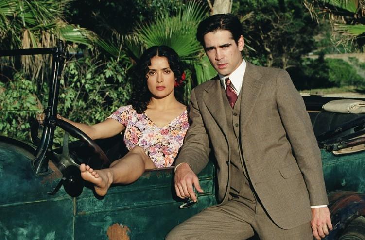 Colin Farrell con Salma Hayek in Chiedi alla polvere