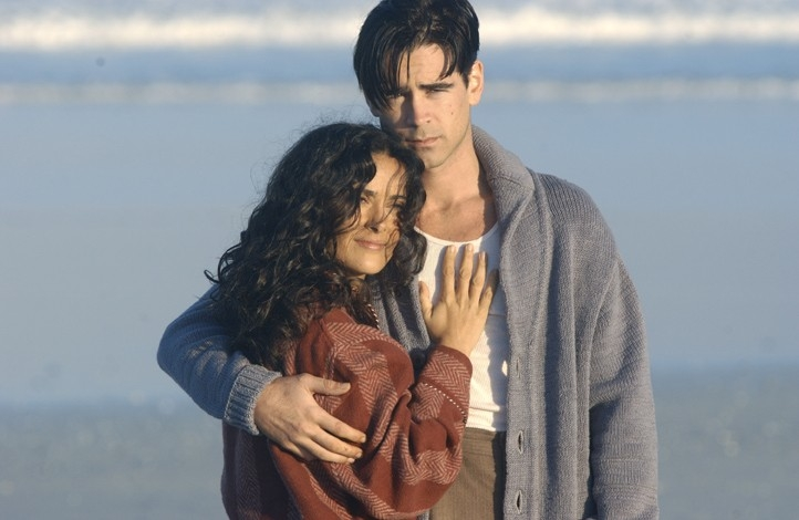 Colin Farrell e Salma Hayek in Chiedi alla polvere (Ask the Dust, 2006)
