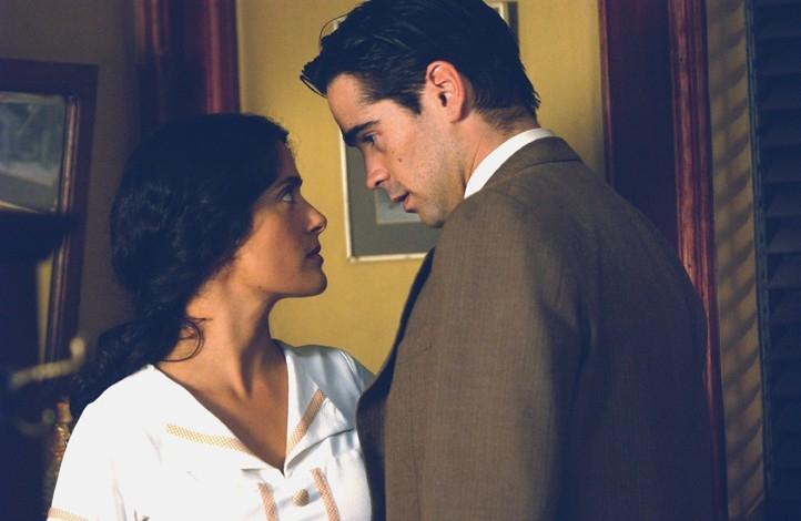 Salma Hayek e Colin Farrell in Chiedi alla polvere