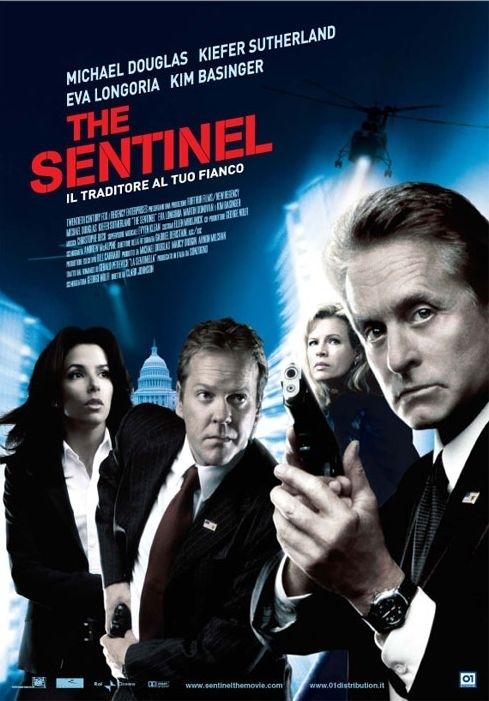 La locandina italiana di The Sentinel
