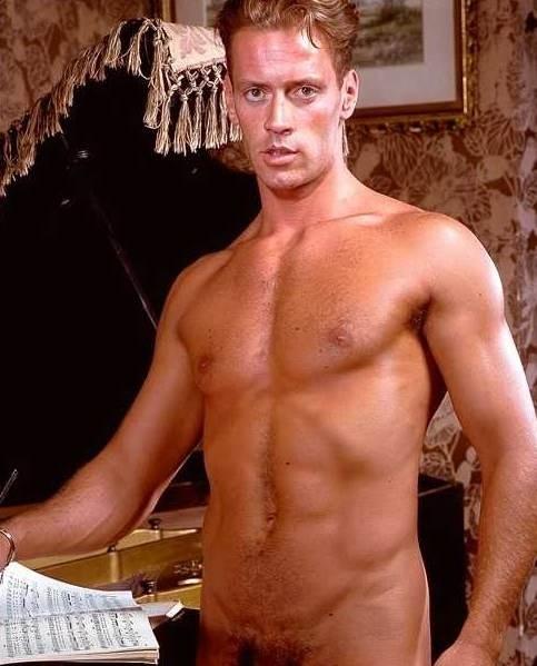 il celebre pornodivo Rocco Siffredi