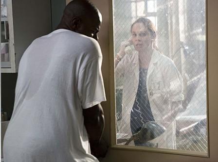 Sarah Wayne Callies intrappolata nel suo ufficio in Prison Break