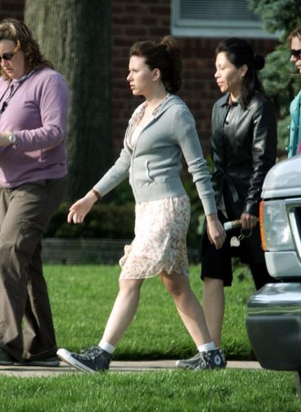 Scarlett Johansson sul set di The Nanny Diaries