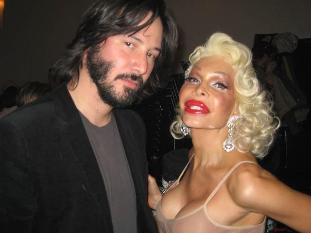 Keanu Reeves ed Amanda Lepore