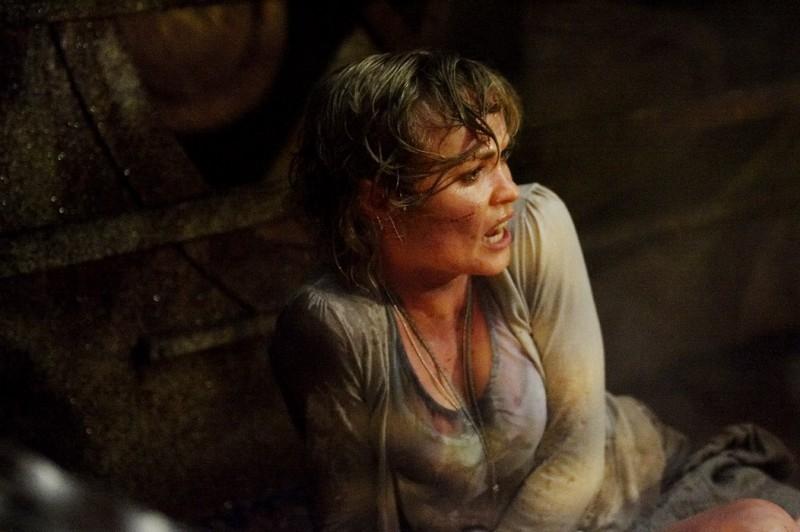 Radha Mitchell in una scena drammatica di SILENT HILL