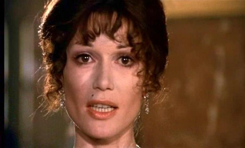 Olga Georges-Picot in una scena di AMORE E GUERRA