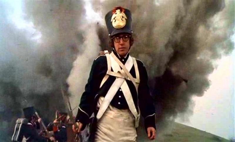 Woody Allen in una sequenza di AMORE E GUERRA