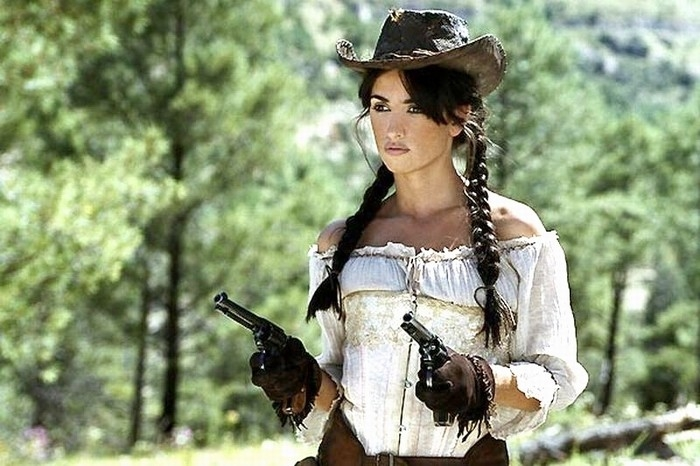 Penelope Cruz è la sexy e grintosa star di Bandidas