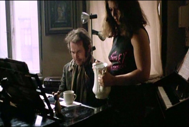 Bruno S. e Eva Mattes in una scena di LA BALLATA DI STROSZEK