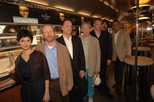 Il cast de Il codice Da Vinci sul treno per Cannes